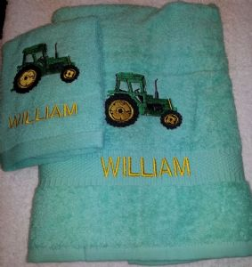 GREEN TRACTOR PERSONALISED TOWEL SET